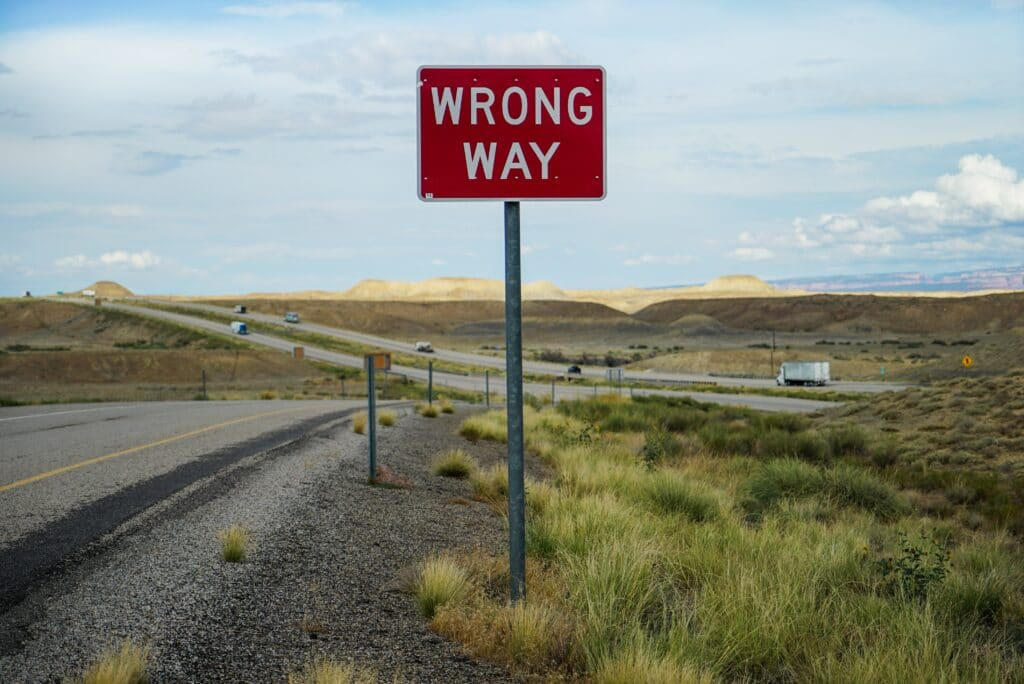 "Road sign ""Wrong Way"""