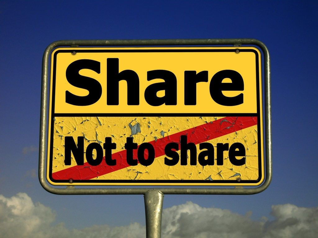 competition law, art. 102 tfeu, online platforms, data sharing, refusal to supply